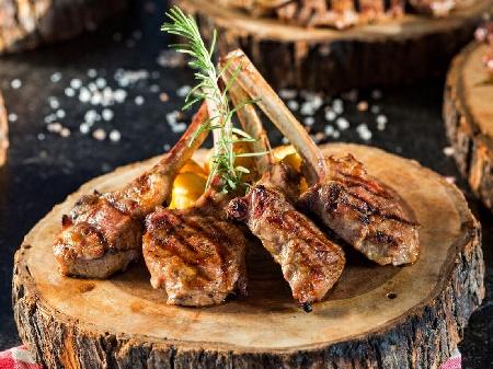 Агнешки котлети с чесън и магданоз на скара по турски - снимка на рецептата